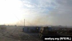 Свалка мусора в Южно-Казахстанской области. Июль 2014 года. Иллюстративное фото.