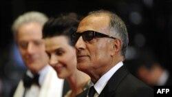 عباس کیارستمی، ژولیت بینوش و ویلیام شیمل در شصت و سومین جشنواره کن سال ۲۰۱۰