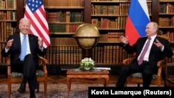 Встреча президента США Джо Байдена (слева) и президента России Владимира Путина. Женева, 16 июня 2021 года.