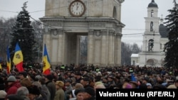 Protesters met in downtown Chisinau