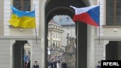 Офіційна церемонія зустрічі Віктора Ющенка з дружиною у Празькому Граді, 24 березня 2009 р.