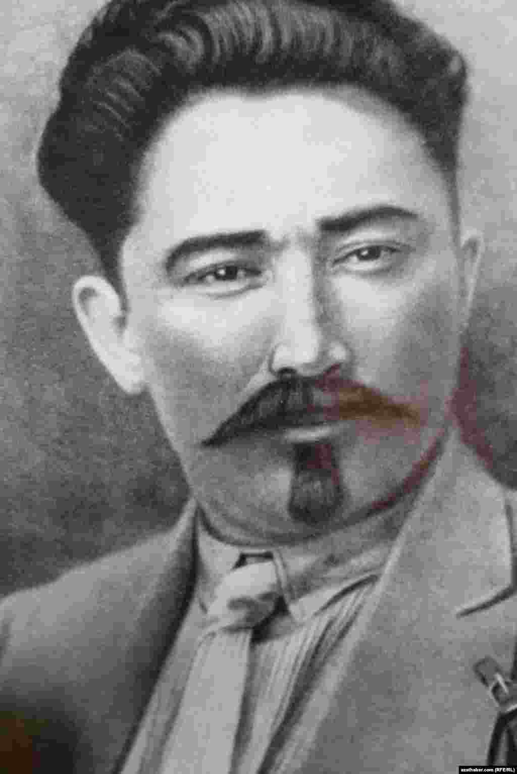 TSSR-iň Merkezi ýerine ýetiriji komitetiniň birinji başlygy Nedirbay Aytakow