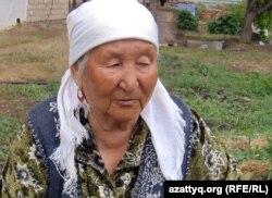 Ханым Шомекова, мать погибшего Куаныша Алимжанова. Актюбинская область, село Шубарши, 14 мая 2012 года.
