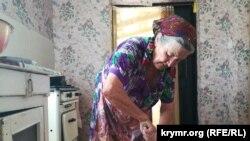 Зульфинар Кумша готовит чебуреки