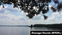 Вид на озеро Бурабай. Кокшетауская область, 22 июня 2013 года.