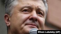 Допит Петра Порошенка (на фото), за словами адвоката, відбудеться 1 липня