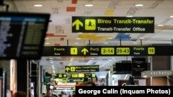 Membrii grupării au fost prinși de procurori și polițiști când doreau să scoată țigările prin aeroportul din Otopeni.