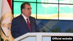 Tajik President Emomali Rahmon delivers a speech to the Tajik parliament on April 23.