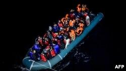 آرشیف/ این تصویر جنبۀ تزئینی دارد از مهاجرین در ترکیه