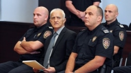 Drgan Vasiljković, jedan od nekadašnjih vodećih srpskih paramilitaraca u Hrvatskoj, tokom suđenja u Splitu, 20. septembra 2016. Po izlasku iz zatvora i povratka u Srbiju, sprema se za učešće na izborima.