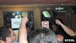 Protest radnika KAP-a, Fotografije uz tekst Savo Prelević