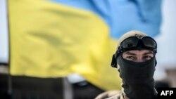 Український солдат на блокпосту в селі Дебальцеве, 31 липня 2014 року