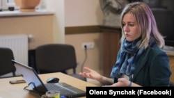 Олена Синчак, мовознавиця, викладачка курсу «Екологія мови» в УКУ, авторкапідручника «Яблуко» (вищого рівня) з вивчення української як іноземної
