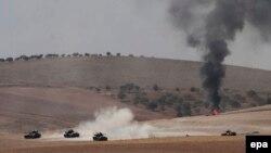 Турецкие войска и силы сирийской вооруженной оппозиции в районе границы с Турцией (24 августа 2016 года)