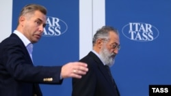 Павел Астахов (слева) и Артур Чилингаров