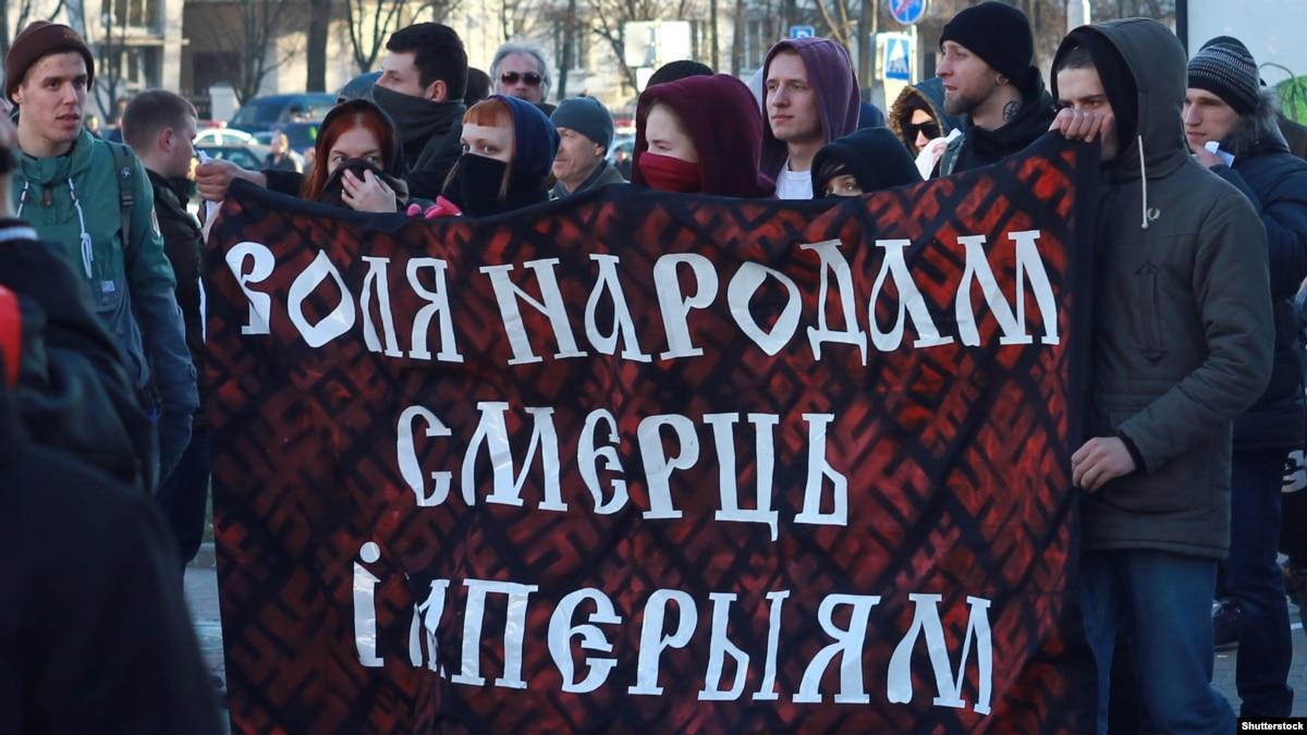Оппозиция Беларуси призвала бизнес перейти на белорусский язык, а власть – ограничить телеканалы России