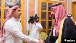 Saudi Crown Prince Mohammed bin Salman (right) meets with members of the Khashoggi family in Riyadh on October 23.