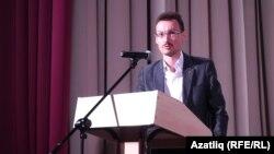 Денис Маслюженко