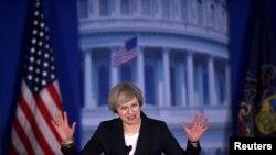 Премьер-министр Великобритании Тереза Мэй во время выступления на конференции республиканцев в Филадельфии, 26 января 2017