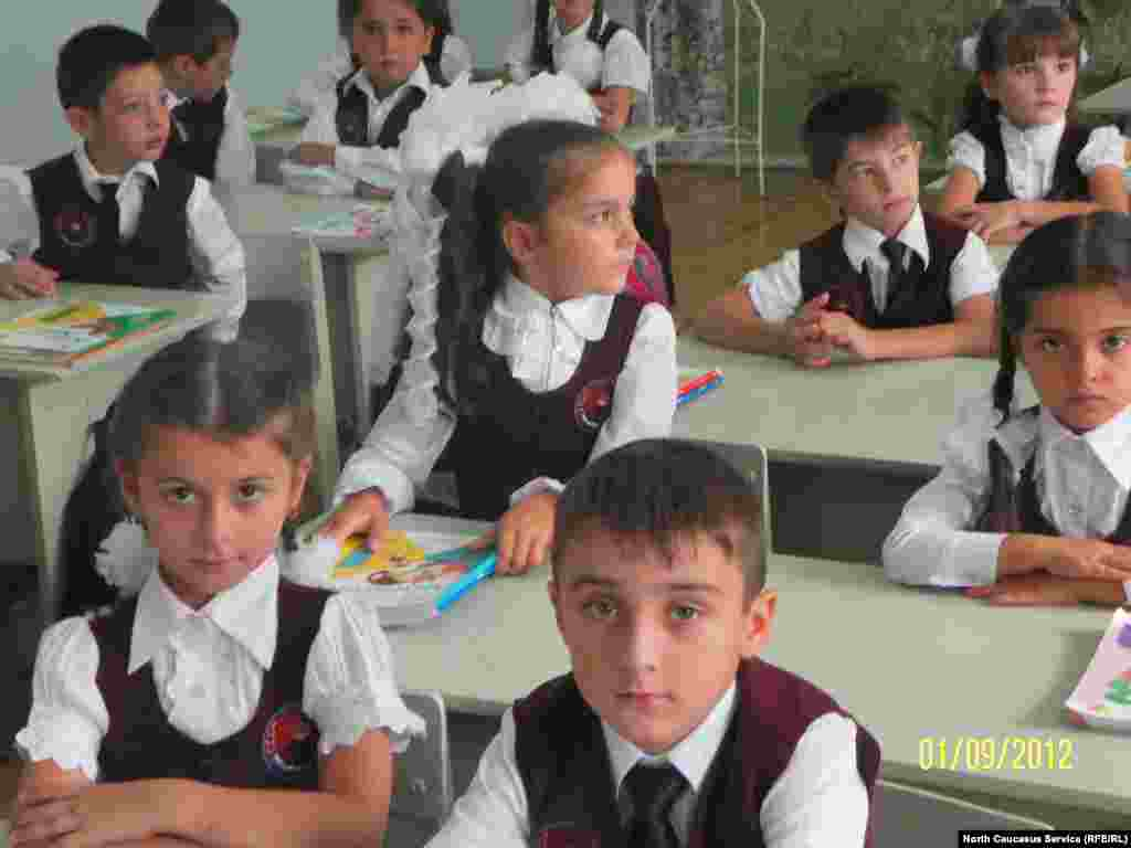 Schoolchildren in Kaspiysk, Daghestan, on September 1