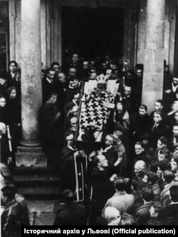 Похорон митрополита Андрея Шептицького