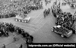 Радянські війська окуповують Латвію. Рига, 17 червня 1940 року