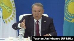 """""""Нұр Отан"""" партиясының төрағасы Нұрсұлтан Назарбаевтың партия жиынында отырған сәті. Нұр-Сұлтан, 21 тамыз 2019 жыл."""