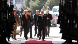 Началникот на ГШ на АРМ Горанчо Котески реферира за борбената готовност на АРМ во 2014 пред претседателот на Република Македонија и врховен командант на Вооружените сили на АРМ Ѓорге Иванов.