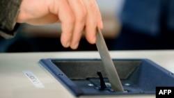 Glasanje na izborima, ilustrativna fotografija