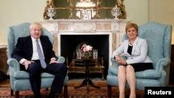 Britanski premijer Boris Džonson i škotska premijerka Nikola Stardžen