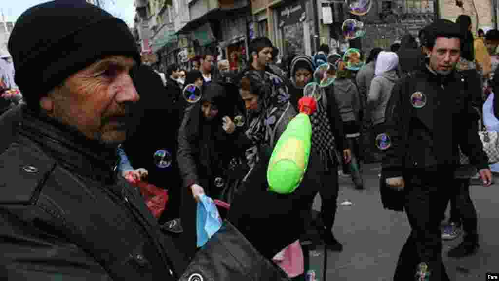 Iran – Shopping for Nouruz (Norouz) in Iran, Mar2012