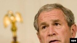 رئیس جمهور آمریکا از کنگره خواست برای تأمین امنیت اقتصادی همه آمریکاییها اقدام کند.(عکس: DPA)