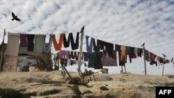 Beduin tábor Jeruzsálem és Maále Adumim ciszjordániai zsidó telep között 2021. december 3-án
