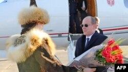 В Астане встречают принца Монако Альберта II. Астана, 2 ноября 2012 года.