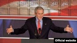 جورج بوش می گوید کنفرانس امنیتی بغداد ازمونی برای ایران وسوریه است