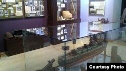 Абхазский государственный музей открылся после двухлетнего ремонта в сентябре 2013 года, с этого момента его экспозиция расширяется и пополняется экспонатами. Новый зал знакомит посетителей музея с тем вкладом, который внесла Абхазия в победу над фашизмом