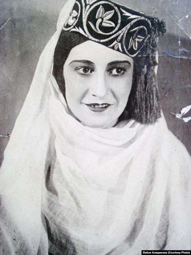 Фатьма Аметова в спектакле «Арзы къыз». Из архива Лейли Алядиновой