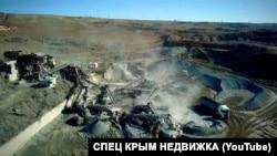 Один из карьеров по добыче и переработке щебня в Крыму