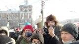 Омск 31 января митинг, Даниил Чебыкин с мегафоном (архивное фото)