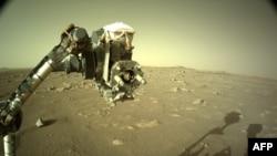 """Снимка от Марс, изпратена на 9 март 2021 г. от марсохода """"Постоянство""""."""