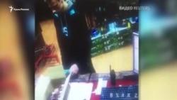 Росляков покупает патроны в оружейном магазине (видео)