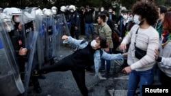 نیروهای ضدشورش ترکیه در بوغازیچی