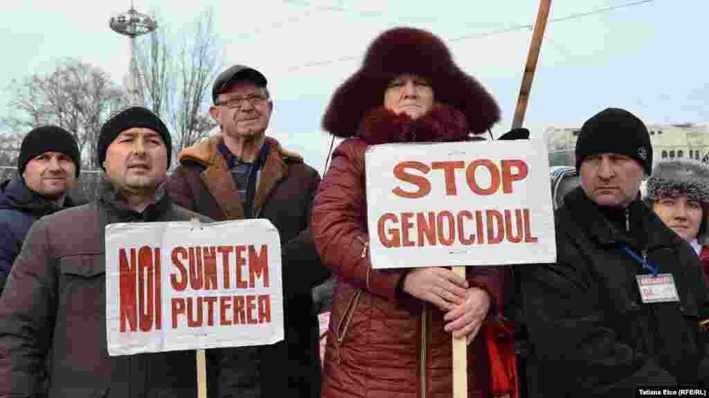 Participanții la protestul organizat de Platforma DA
