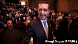 «Свободные демократы», возглавляемые экс-министром обороны и покинувшие парламентское большинство, обещают и впредь сотрудничать с правящей «Грузинской мечтой» по ряду вопросов. Но, судя по последним высказываниям премьер-министра, все далеко не так радужно