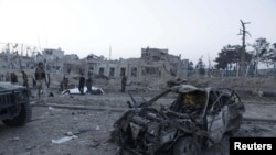 در اثر این حمله ۸ فرد ملکی کشته و نزدیک به صد تن دیگر مجروح شدند.