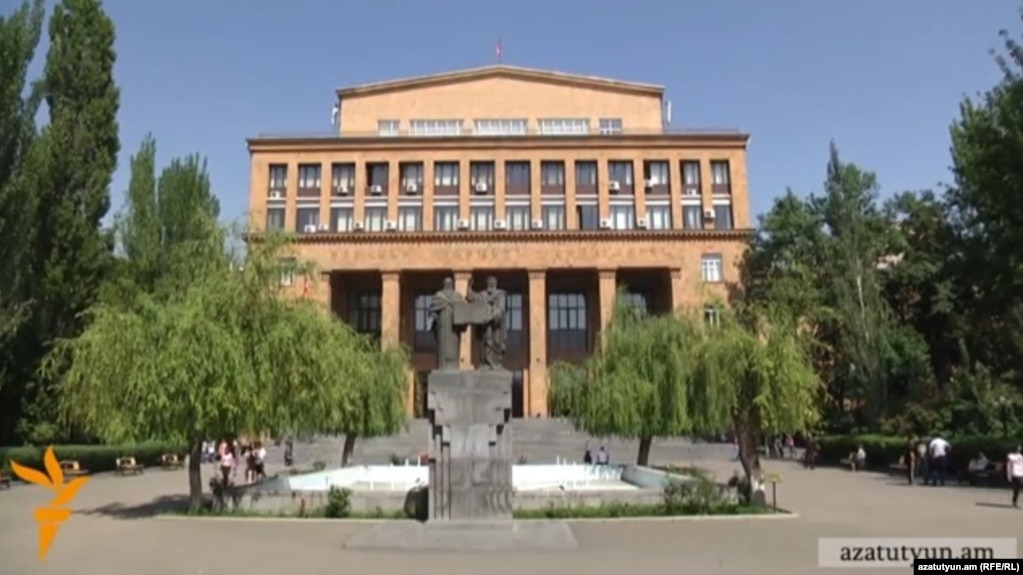 Будет созвано заседание совета попечителей ЕГУ по вопросу прекращения полномочий ректора