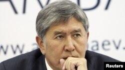 Алмазбек Атамбаев, Бишкек, 1 ноября 2011 года.