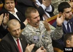 Андрій Тетерук і Юрій Береза у сесійній залі Верховної Ради, Київ, листопад 2014 року
