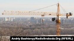Прем'єр Азаров заявив, що програма будівництва «доступного житла» має розв'язати житлові проблеми за 10 років