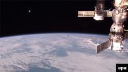 Прибуття космічного корабля «Прогрес» на Міжнародну космічну станцію, архівне фото НАСА